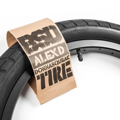 BSD Donnasqueak Tire-0